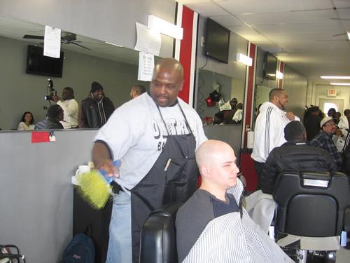dmitris-barber-shop-004a